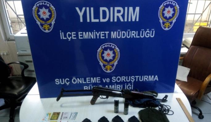 """GÜNCELLEME - Bursa'da """"gelin arabası""""yla soygun girişimi"""