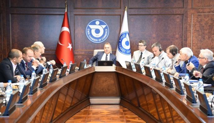 İzmir'de kruvaziyer buluşması