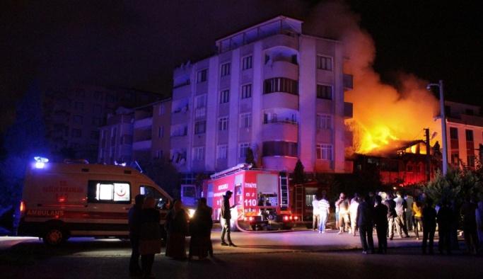 Kocaeli'de yangın: 2 ölü, 3 yaralı