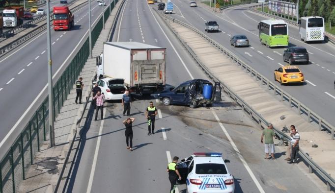 Kocaeli'deki kaza trafiği aksattı