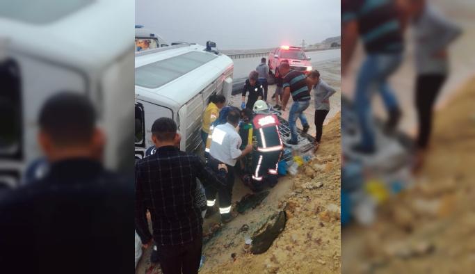 Malatya'da minibüs devrildi: 7 yaralı