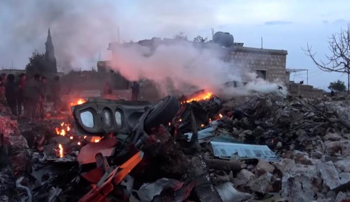 Rusya ve Esed, İdlib'e bomba yağdırıyor