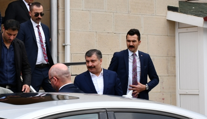 Sağlık Bakanı Koca, Konya'da cenaze törenine katıldı