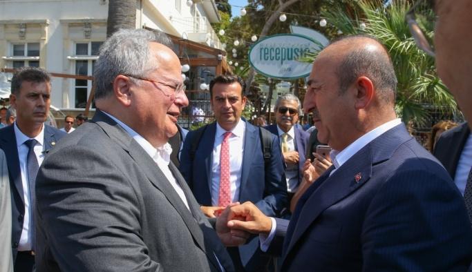 Türkiye ve Yunanistan dışişleri bakanları İzmir'de bir araya geldi