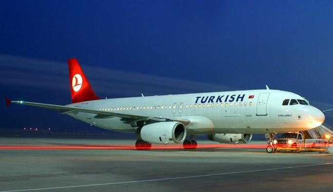 Yeni havalimanına ilk yolcu uçağı indi