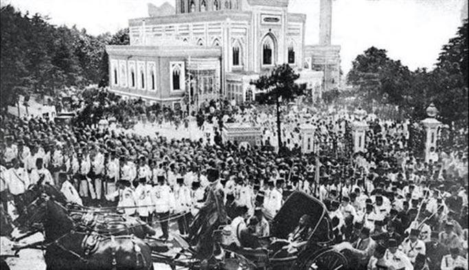 Abdülhamit ne zaman, nasıl öldü - Cenaze Töreni görüntüleri