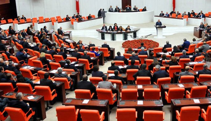 Meclis içtüzük değişikliği kabul edildi