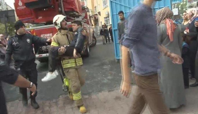 Okulda yangın, öğrenciler tahliye edildi