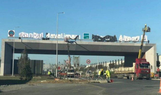 Yeni havalimanı tabelaları asıldı