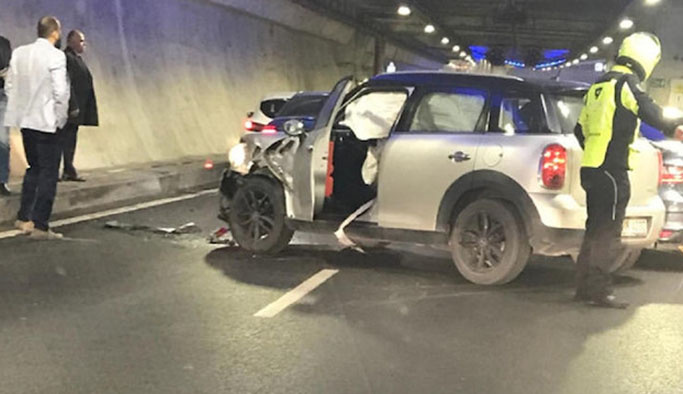 Avrasya Tüneli'nde kaza, yol trafiğe kapatıldı
