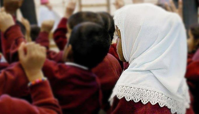 Avusturya'da ana okullarında başörtüsü yasağı