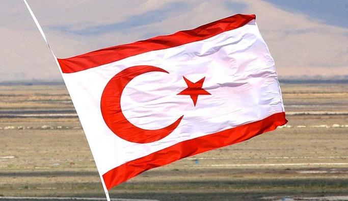 BM askerleri Kıbrıs'ta Cuma namazını engelledi