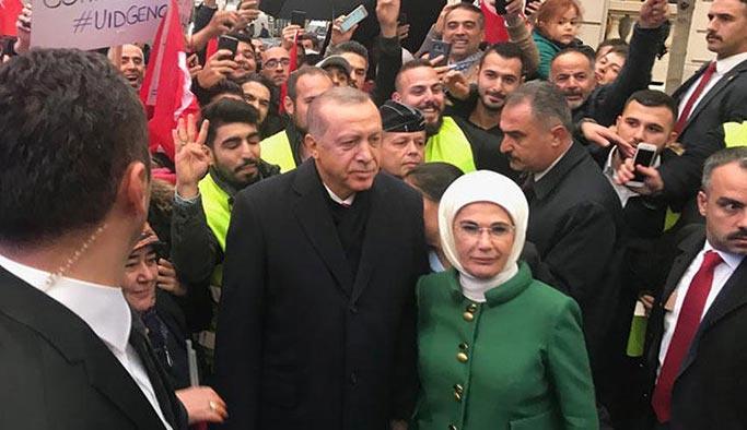 Erdoğan Paris'te sevgi seliyle karşılandı