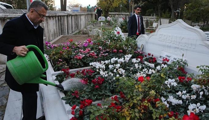 Fuat Oktay'dan Erbakan mezarına ziyaret