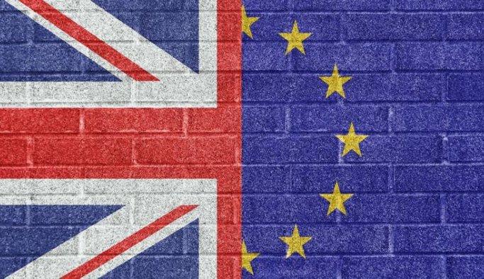İngiliz hükümetinde Brexit çatlağı