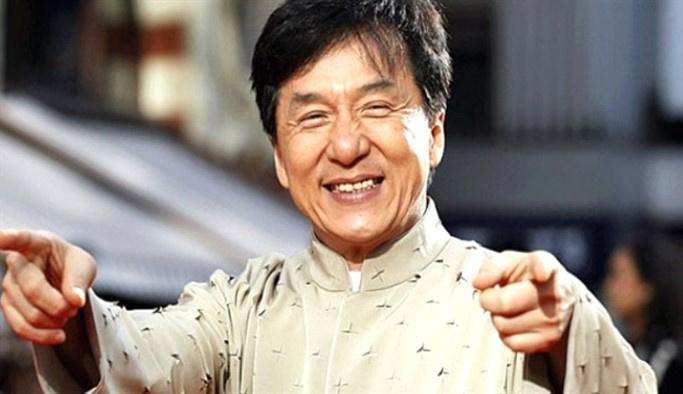 Jackie Chan'in Kızı, bir kız ile evlendi