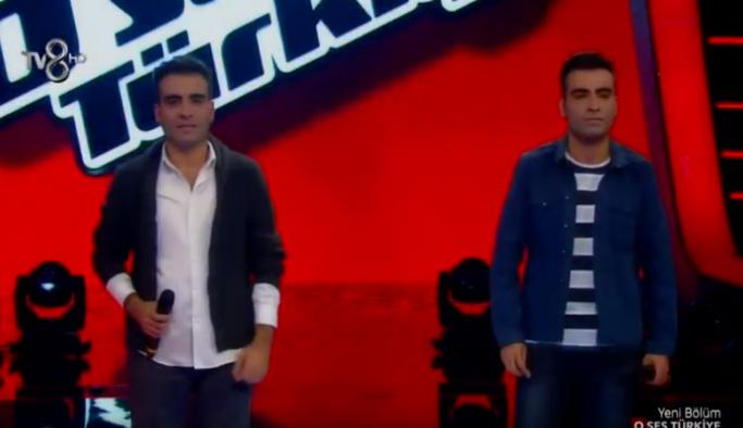 O Ses Türkiye İzle - Baran - Barış İkiz Kardeşler juri üyelerini gözyaşlarına boğdu