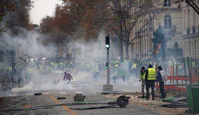 ABD Fransa'daki vatandaşlarını uyardı