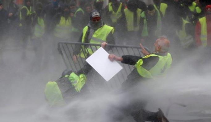 Avrupa Birliği'nin başkentinde göstericilere polis şiddeti