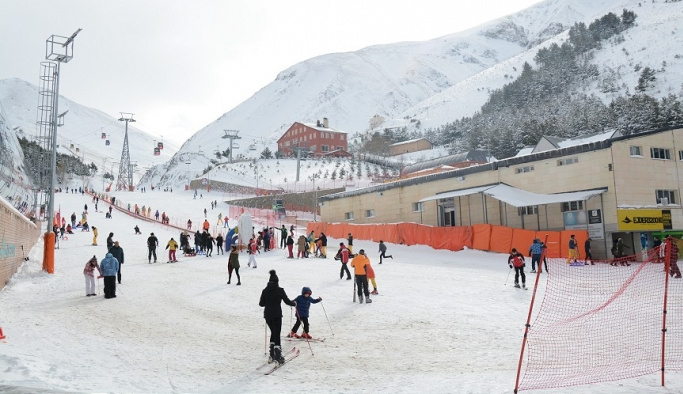 Doğu'daki kayak merkezlerinde heyecanlı bekleyiş