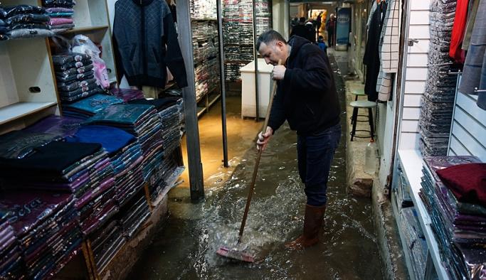 İzmir ve Bodrum yine sular altında
