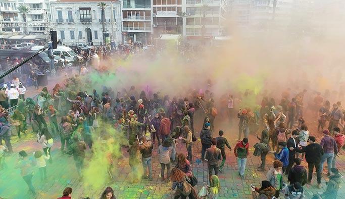 İzmir'de en renkli festival
