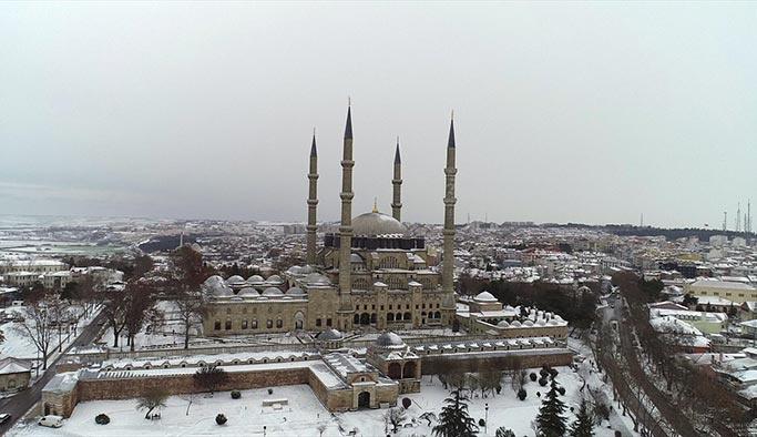 Trakya beyaza büründü, kar İstanbul'a da giriş yaptı