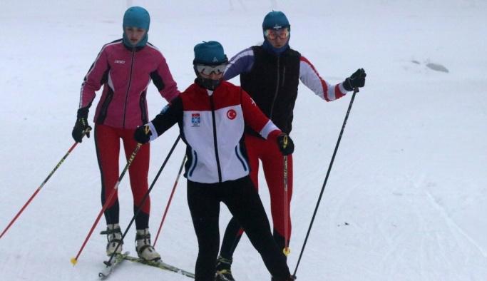 Kayaklı Koşu Milli Takımı'nın Bolu kampı sürüyor