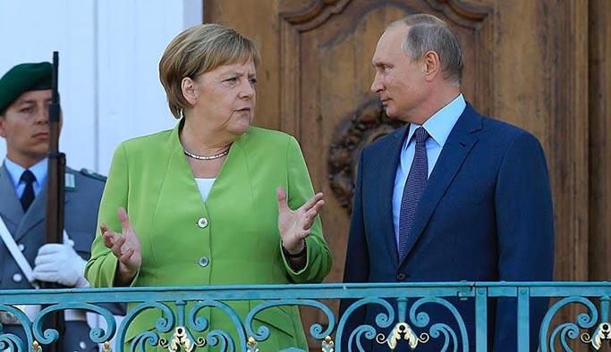 Merkel ile Putin arasında kritik görüşme