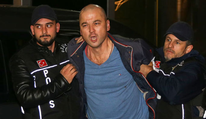 Murat Özdemir serbest kaldıktan beş dakika sonra tekrar gözaltında