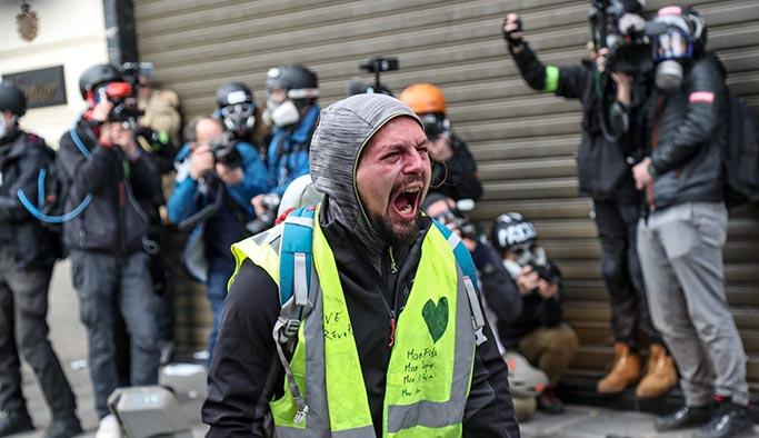 Sarı Yelekli isyanı İngiltere'ye de sıçradı