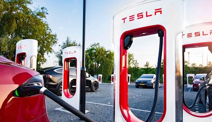 Tesla'nın şarj istasyonları Türkiye'ye geliyor