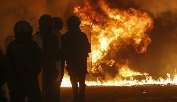 Yunanistan'da sokaklar alev alev