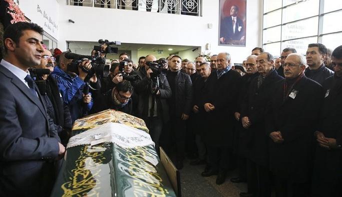 CHP'li küskünler cenazede buluştu