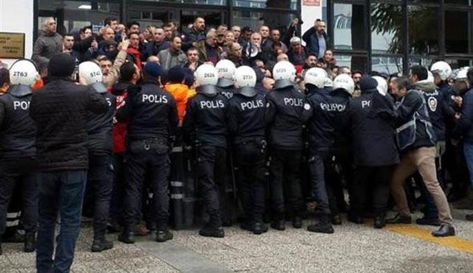 İzmir'de ortalık karıştı, çok sayıda gözaltı
