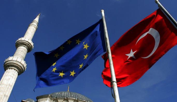 Türkiye Avrupa Birliği Masası'na dönüyor