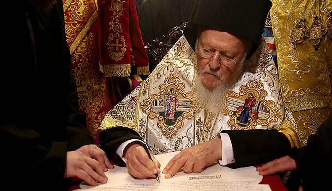 Ukrayna Kilisesi bağımsızlık beratını İstanbul'dan aldı