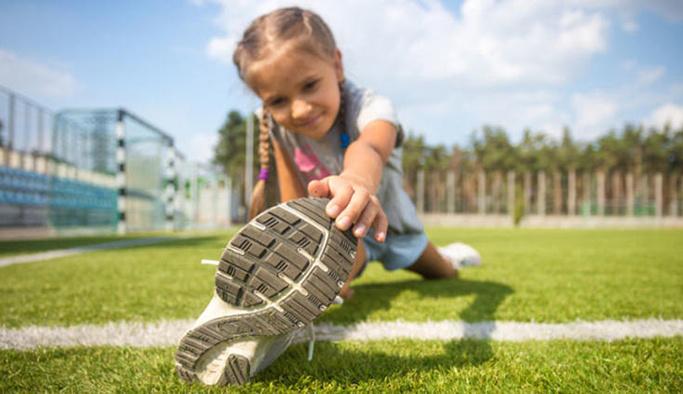 """""""Yanlış ayakkabı çocuğun ayak sağlığını bozabilir"""""""