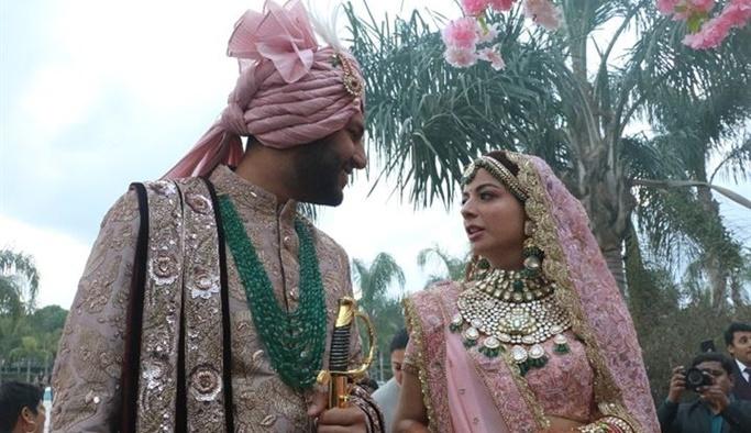 Antalya'da 3 gün 3 gece Hint düğünü