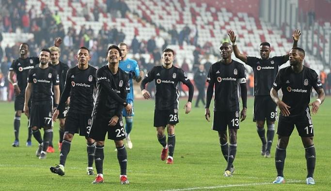 Beşiktaş, Antalya'da güldü