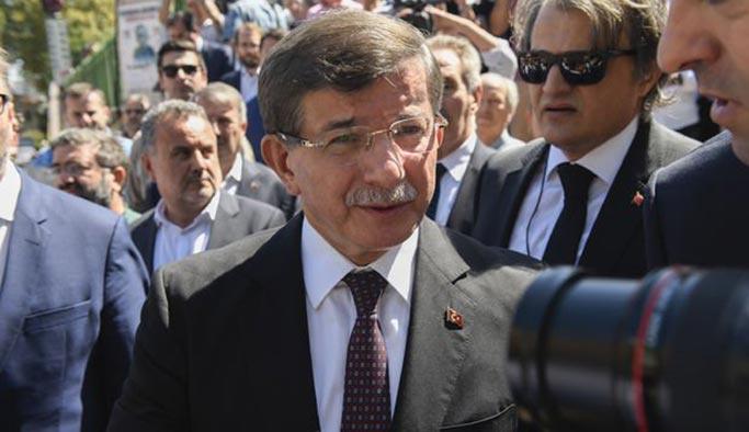 Davutoğlu 'yeni parti' sorularını cevapladı