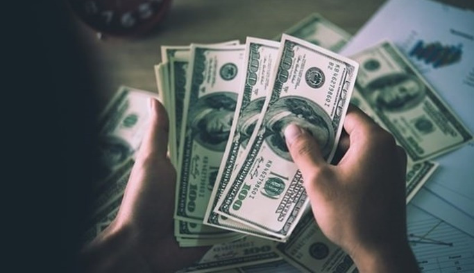 Dolar 5.20 TL'nin altına indi