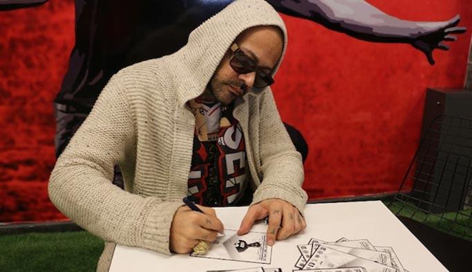 Dünyaca ünlü İranlı sanatçı albüm gelirini Türk takımına bağışladı