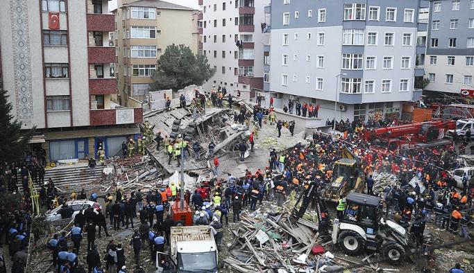 İstanbul'da çöken binada yaralananların isimleri açıklandı