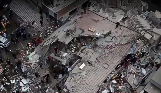 İstanbul'da çöken binadan acı haberler gelmeye başladı