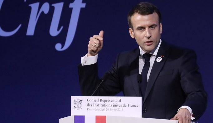 Ülkesi gripten, yoksulluktan kırılan Macron 'İsrail'i koruma yasası sözü verdi