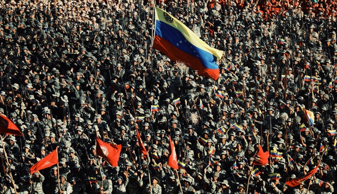 Maduro ordusuyla birlikte Trump'a meydan okudu