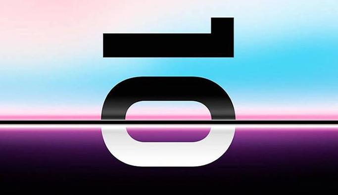 Samsung katlanabilir telefonunu tanıttı, fiyatı dudak uçuklatıyor