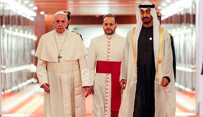 Tarihte bir ilk, Papa BAE'de