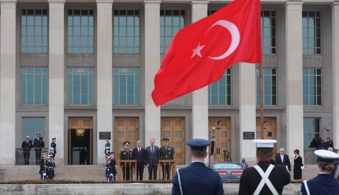 Türk heyeti Pentagon'da böyle karşılandı
